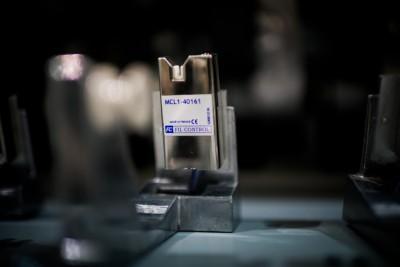 détecteur capacitif de fil